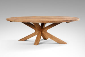 Ovale teak tafel